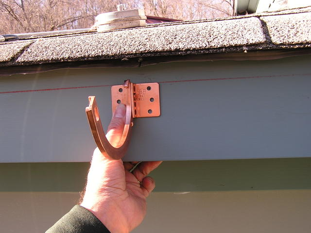 Copper_gutter_installation_7