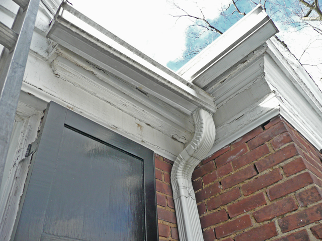Short soffit area contributing to ice dams